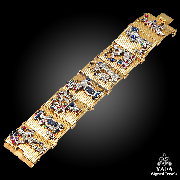 Retro Yellow Gold 8 Charms Bracelet