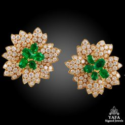 VAN CLEEF & ARPELS Diamond,Emerald Flower Earrings