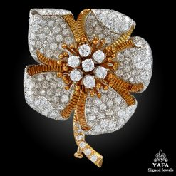 DAVID WEBB 18k & Platinum Diamond Flower Brooch