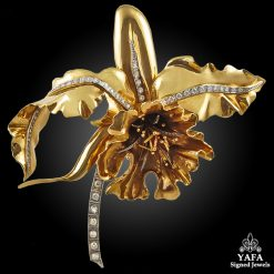 1960s Diamond Flower Brooch