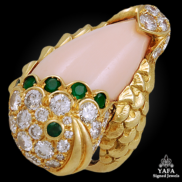 DAVID WEBB Coral, Diamond, Emerald Fish Ring
