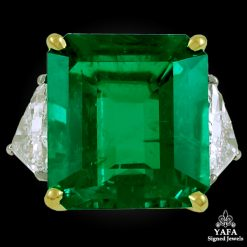 HARRY WINSTON Colombian Emerald Diamond Ring