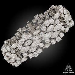 HARRY WINSTON Platinum Diamond Bracelet - 35 cts.
