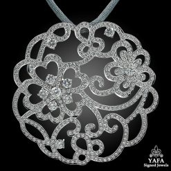 VAN CLEEF & ARPELS Diamond Flower Pendant Necklace