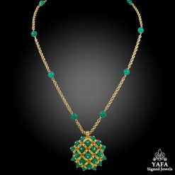 VAN CLEEF & ARPELS Chrysoprase Necklace