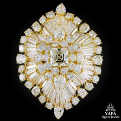 VAN CLEEF & ARPELS Diamond Brooch - center 3.55 cts.