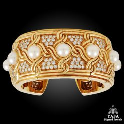 VAN CLEEF & ARPELS Diamond & Pearl Cuff Bangle