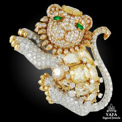 DAVID WEBB Diamond, Yellow Sapphire Lion Brooch