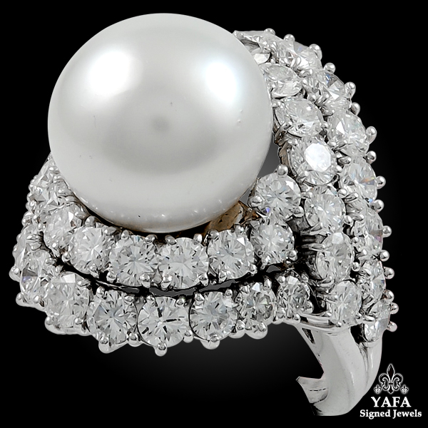 VAN CLEEF & ARPELS Diamond & Cultured Pearl Ring