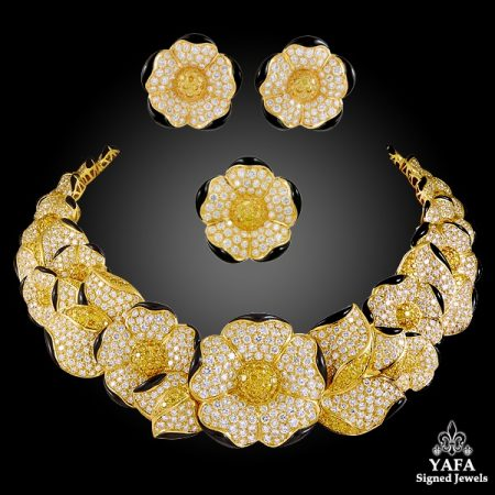 VAN CLEEF & ARPELS Fancy Yellow, White Diamonds, Onyx Flower Necklace Suite