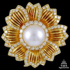 VAN CLEEF & ARPELS Diamond and Pearl Flower Brooch