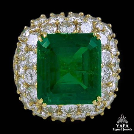 VAN CLEEF & ARPELS Diamond and Emerald Ring - 12cts.
