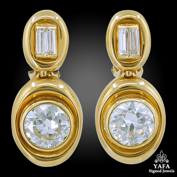 VAN CLEEF & ARPELS Diamond Gold Necklace and Ear Clips