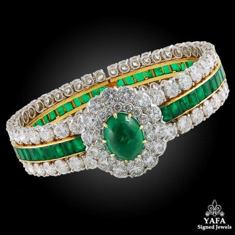 VAN CLEEF & ARPELS Cabochon Emerald, Diamond Bangle Bracelet