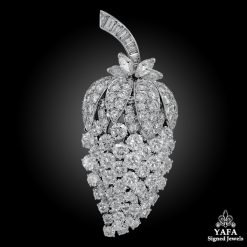 VAN CLEEF & ARPELS Diamond Acorn Motif Brooch