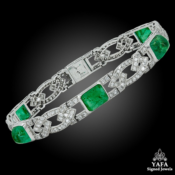 VAN CLEEF & ARPELS Diamond & Sugarloaf Emerald Bracelet