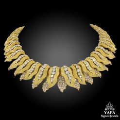BULGARI Diamond Gold Leaves Necklace