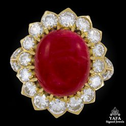 VAN CLEEF & ARPELS Cabochon Ruby Diamond Ring