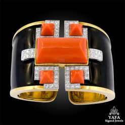 DAVID WEBB Coral, Diamond Cuff Bracelet